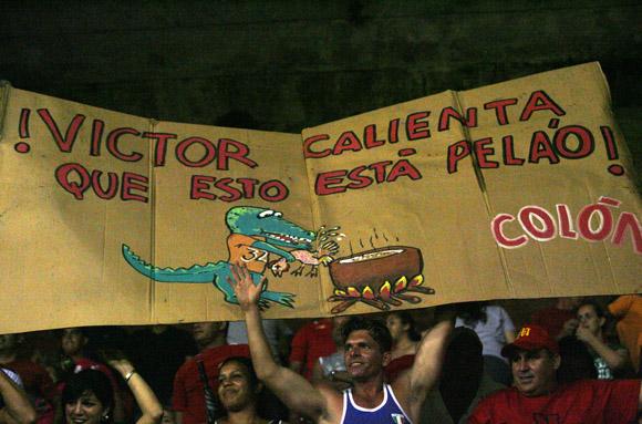 Aficionados en el estadio Victoria de Girón. Foto: Ladyrene Pérez/Cubadebate.
