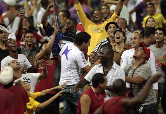 Celebración de los matanceros por la clasificación a semifinales. Foto: Ismael Francisco/Cubadebate.