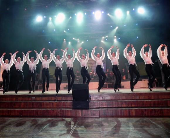 El Ballet Liz Alfonso tuvo  su cargo la apertura de la primera Gala de premiaciones Cubadisco 2012. Foto Marianela D.