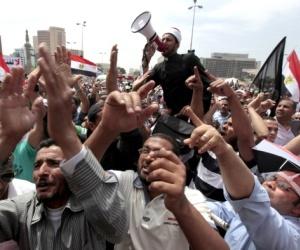 junta-militar-egipcia-decreta-toque-queda-nocturno_1_1201556