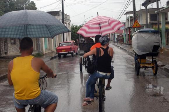 Chubascos y lluvias cubren la provincia de Ciego de Ávila desde las últimas 48 horas. 23 de mayo de 2012.   AIN FOTO/ Osvaldo GUTIÉRREZ GÓMEZ/