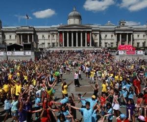 london_big-world-dance