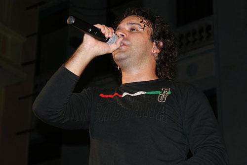 Tony Luis, vocalista principal. Foto: César Gómez Chacón
