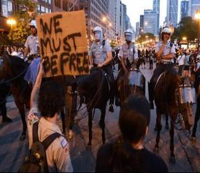Miles salen otra vez a las calles de Chicago para decir NO a la OTAN (+ Video)