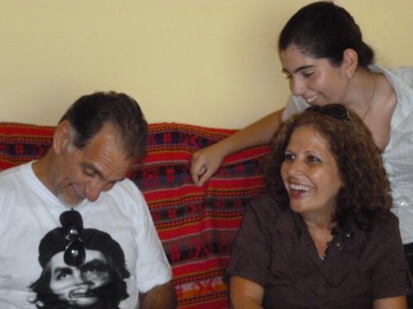 René, Olga e Ivette, juntos los tres por vez primera en 14 años, en  abril pasado. Un encuentro que duró menos de 15 días.