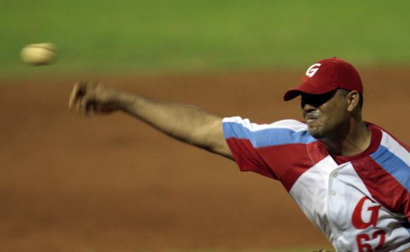 Ciro Silvino Licea, abridor del choque por los granmenses.  Foto: Ismael Francisco/Cubadebate.