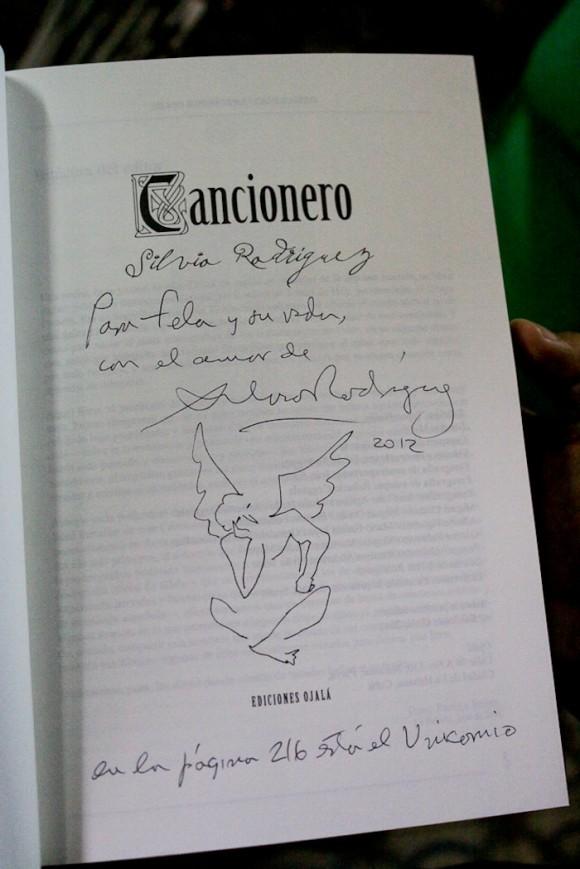 Cancionero con dedicatoria y coordenada. Foto: Alejandro Ramírez Anderson/ Cubadebate