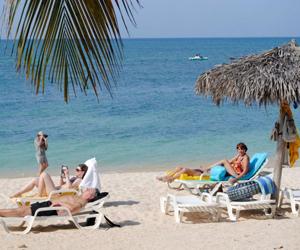 Cuba espera ascender a 2,9 millones de turistas en 2012