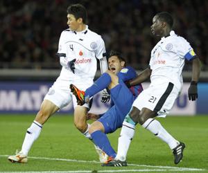 Villa, en el momento de la lesión. Foto: Reuters.