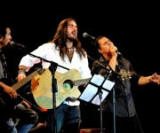 El público cantó junto a los artistas. Foto: Anabel Díaz Mena/Cubadebate