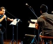 Israel Rojas y Yoel Martínez cantan uno de los tema del próximo disco. Foto: Anabel Díaz Mena/Cubadebate