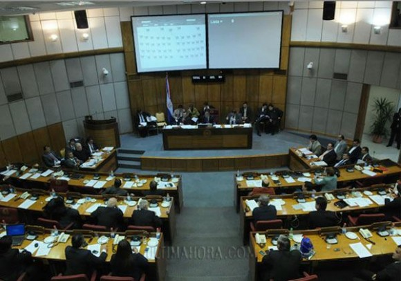 El Congreso Destituye a Lugo. Foto: Misiones Online