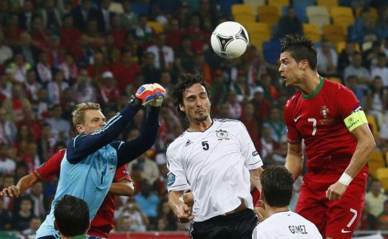 Cristiano Ronaldo lo intentó de todas las maneras, pero se quedó sin el gol. Foto: Reuters