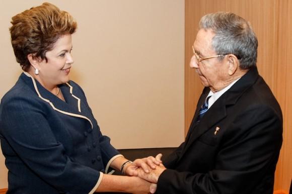 Dilma y Raúl Castro en Rio de Janeiro