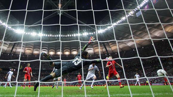 Dzagoev estuvo muy cerca de salvar a los rusos. Foto: UEFA.