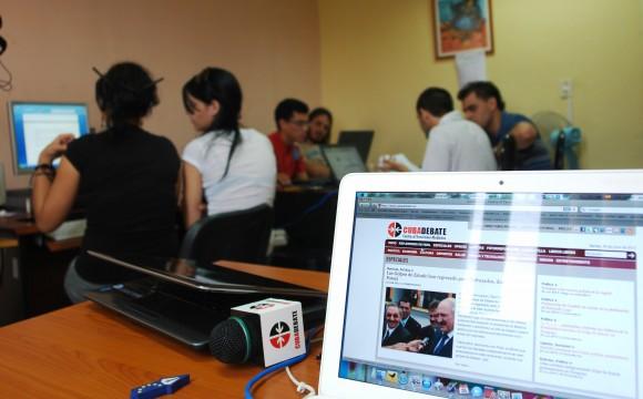 Estudiantes de periodismo de práticas estudiantiles