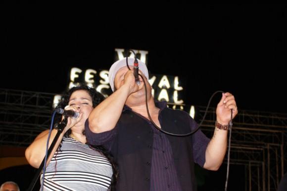 enny y el Lele, demostraron sus cualidades vocales y musicalidad. Foto. Víctor Batista Matos.