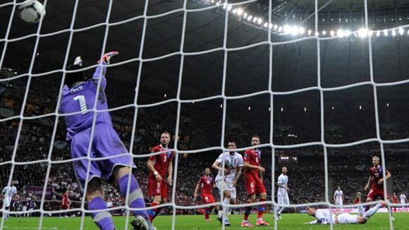 Nada que hacer. Foto: UEFA.