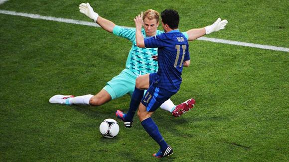 Hart le cerró la puerta al doblete de Nasri. Foto: UEFA.