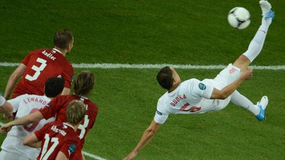 Un intento fallido, pero espectacular. Foto: UEFA.