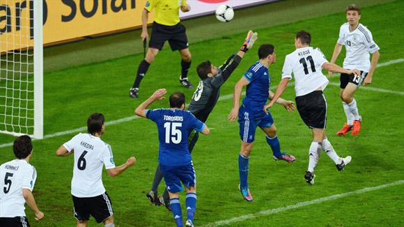 Klose dejó su sello. Foto: UEFA.