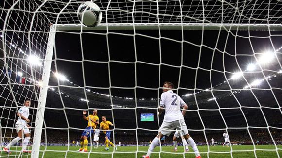 El golazo de Larsson. Foto: UEFA.
