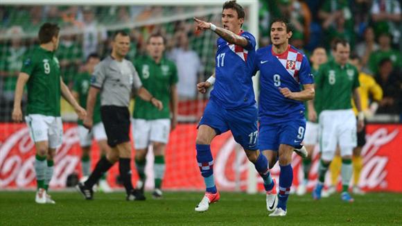 Mandzukic, el primero en anotar dos veces en la Euro 2012. Foto: UEFA.