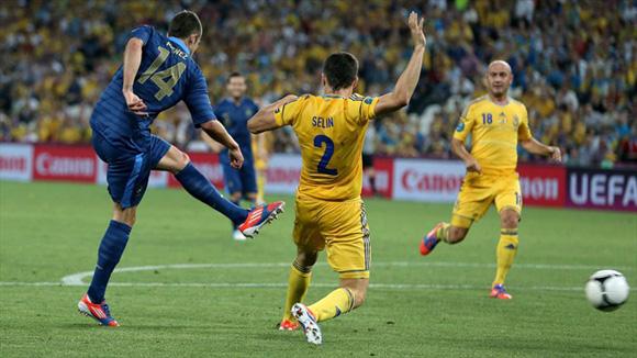 Menez justificó el reemplazo de Malouda. Foto: UEFA.