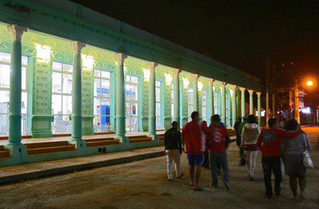 Ciego de Ávila, también se conoce como la ciudad de los portales. Foto: Ismael Francisco/Cubadebate