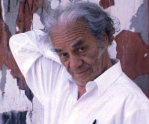 Conceden a poeta chileno Nicanor Parra Premio Iberoamericano Pablo Neruda