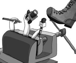En 2012, más de 150 periodistas fueron agredidos en Colombia