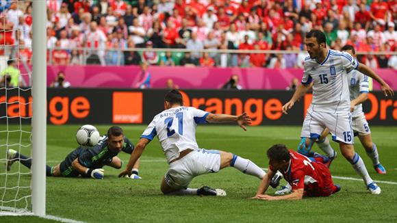 Pilar hizo el segundo de los checos. Fotos: UEFA.