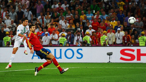 Piqué volvió a brillar. Foto: UEFA.