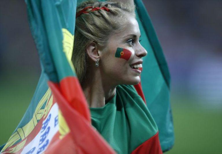 Los portugueses eran minoría, pero no dejaron solos a los suyos. Foto: Reuters.