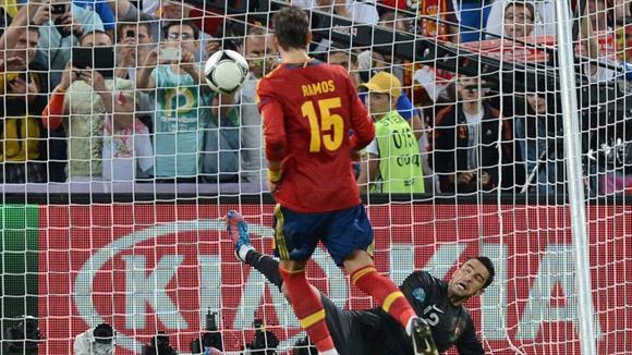 El fabuloso cobro de Ramos. Foto: UEFA.
