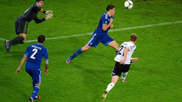 Reus anotó el cuarto de los Panzers. Foto: UEFA.