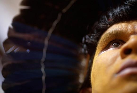 Indígena. Foto: Ricaro Moraes/Reuters