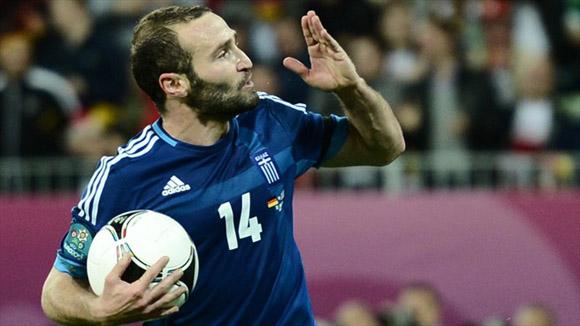 Salpingidis cobró el primer penal efectivo del torneo. Foto: UEFA.