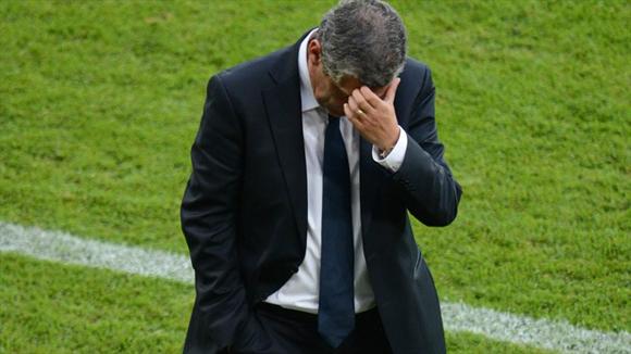 Fernando Santos, un técnico abatido. Fotos: UEFA.