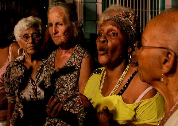 Chicas del ayer Foto: Alejandro Ramírez/Cubadebate