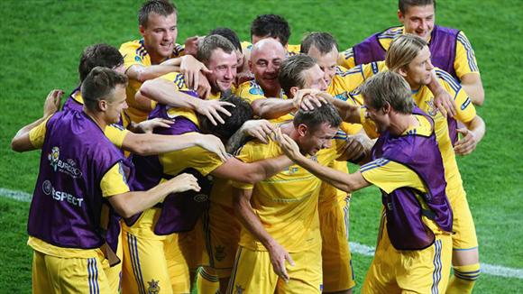 La alegría del plantel anfitrión. Foto: UEFA.