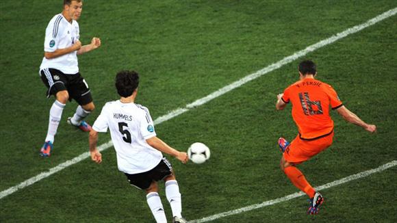 Van Persie dejó su sello. Foto: UEFA.