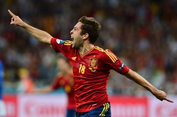 Jordi Alba celebra el segundo gol de La Roja frente a Italia. FOTO: AP