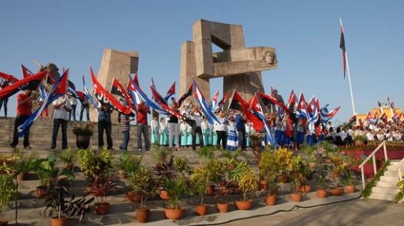 Acto nacional en tribuna abierta de la Revolución por el aniversario 59 del asalto a los cuarteles Moncada y Carlos Manuel de Céspedes, en la Plaza Mariana Grajales, en la ciudad de Guantánamo, el 26 de julio de 2012.  AIN FOTO/Juan Pablo CARRERAS