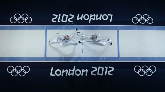 Vista aérea de la discusión de la medalla de oro en el Sable de la esgrima olímpica