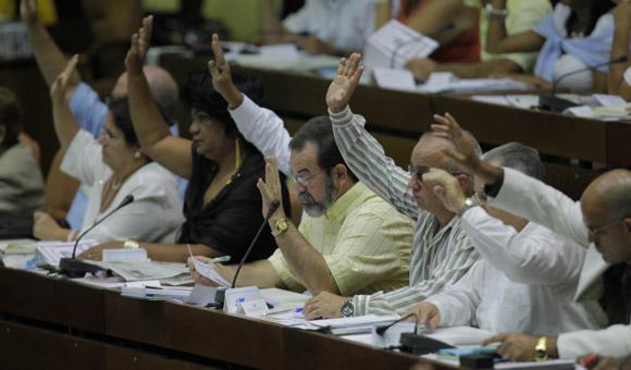 Debates en la Asamblea Nacional. Foto: Ismael Francisco/Cubadebate.