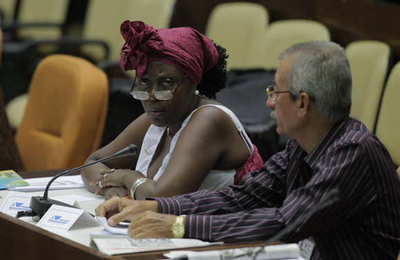Diputados en sesion plenaria de la Asamblea Ncional. Foto: Ismael Francisco/Cubadeabte.