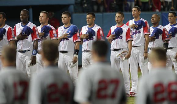 Tope de Beisbol entre Cuba y Estados Unidos en el Estadio Latinoamericano. Foto: Ismael Francisco/Cubadebate