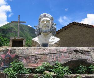 che_guevara_escultura_bolivia