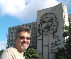 El artista plástico cubano Enrique Ávila Gonzáles